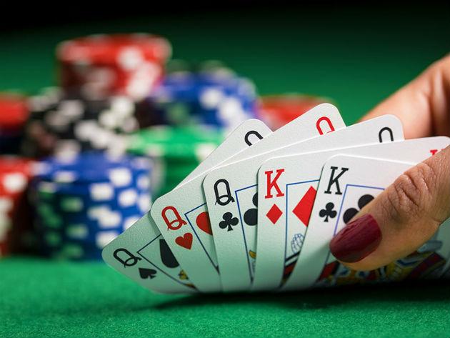 Tingkatkan level kemampuan bermain poker online